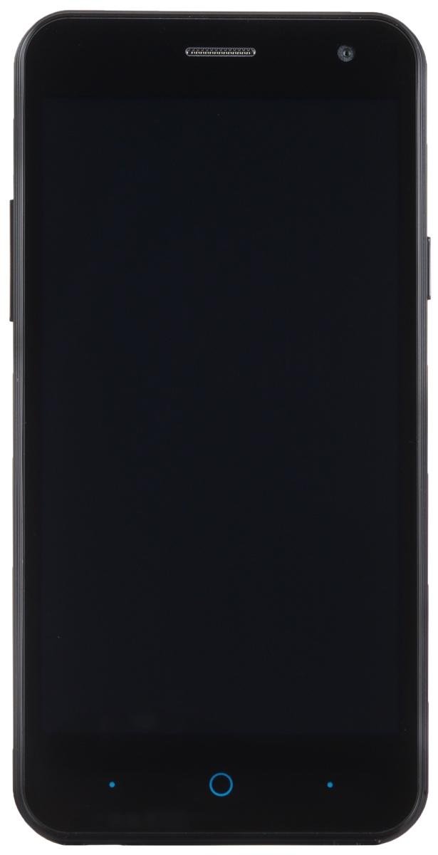ZTE Blade A465, BlackZTE BLADE A465 (4G) BLACKZTE Blade A465 - доступный смартфон в стильном классическом корпусе с поддержкой LTE.Данная модель работает модель на базе 64-битного четырехъядерного процессора MediaTek MT6735P 1 ГГц с 1 ГБ оперативной памяти. Для хранения данных доступно 8 ГБ встроенной памяти. Смартфон оборудован качественным 5-дюймовым дисплеем с разрешением 854 x 480. На нем будет удобно просматривать фотографии и видеоролики, а также работать в интернете. Девайс обладает двумя слотами для SIM-карт, слотом для карт памяти microSD (до 32 ГБ).ZTE Blade A465 оснащен двумя камерами: основной на 5 мегапикселей и фронтальной на 2 мегапикселя. Основная камера отлично справляется со съемкой в слабо освещенных местах. А фронтальная идеально подойдет для видеозвонков и селфи.Телефон сертифицирован Ростест и имеет русифицированный интерфейс меню, а также Руководство пользователя.