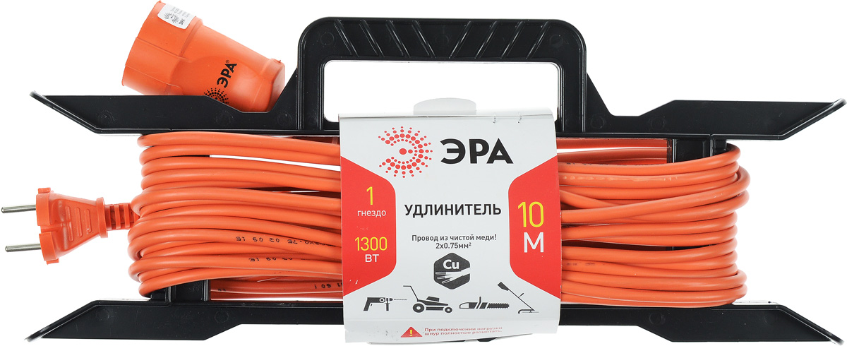 Удлинитель силовой ЭРА UF-1-2x0.75-10m, с рамкой, 1 гнездо, 10 мUF-1-2x0.75-10mСиловой удлинитель ЭРА UF-1-2x0.75-10m предназначен для бытового применения и обеспечивает возможность присоединения электрического приемника к однофазной электрической сети с номинальным напряжением 220В. За счет большой длины кабеля незаменим на садовом участке, при проведении строительных и ремонтных работ. Провод выполнен из чистой меди. Удлинитель оснащен пластиковой рамкой с ручкой. Технические характеристики: Сечение провода: 2 х 0,75 мм2. Номинальное напряжение: 220В. Максимальное напряжение: 250В. Максимальная нагрузка с размотанным шнуром: 650 Вт. Максимальная нагрузка со смотанным шнуром: 1300 Вт. Наличие заземляющего контакта: нет. Температура эксплуатации: от +5°С до +40°С. Относительная влажность: не более 85%. Срок службы: 5 лет.