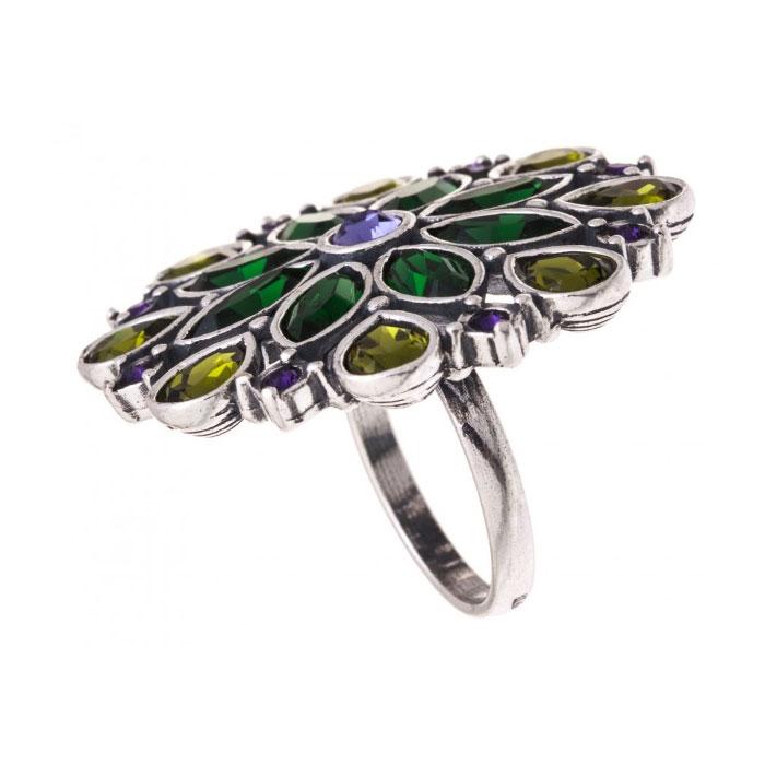Кольцо Jenavi Мурен, цвет: серебристый, зеленый, фиолетовый, изумрудный. k3193070. Размер 17Коктейльное кольцоКольцо Jenavi Мурен из коллекции Пастель изготовлено из ювелирного сплава с антиаллергическим гальваническим покрытием черненым серебром. Декоративный элемент стилизован под цветок и инкрустирован различными кристаллами Swarovski, что придает ему праздничный вид.Классическое цветовое решение и оригинальный дизайн этого кольца не позволят вам остаться незамеченными.