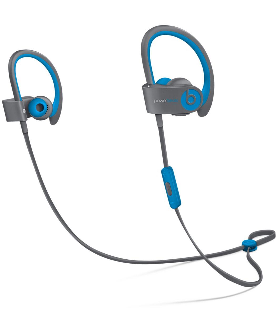 Beats Powerbeats2 Wireless Active Collection, Blue Grey наушникиMKQ02ZE/AСтильные беспроводные наушники Beats Powerbeats2 Wireless из коллекции Active дают вам полную свободу на пробежках и тренировках с iPhone или iPod. Беспроводные наушники, вдохновлённые Леброном Джеймсом, бросают вызов обыденности, давая атлетам импульс к непревзойдённым результатам. Лёгкие и мощные, с двумя акустическими головками, совершенно новые беспроводные наушники воспроизводят звук великолепного качества на мощности, которая нужна вам для движения на пробежке или тренировке.От городских улиц до игровых площадок - наушники Powerbeats2 Wireless дают вам полную свободу на тренировках. Беспроводная технология Bluetooth даёт возможность подключаться к iPhone, iPod или другому устройству Bluetooth на расстоянии до 9 метров - вы можете свободно двигаться и сосредоточиться на спорте. Подзаряжаемый аккумулятор на 6 часов воспроизведения даст вам силы выстоять до конца. А если он разрядился, 15-минутная быстрая зарядка обеспечит ему дополнительный час работы. Не дайте поту вас остановить. Наушники Powerbeats2 Wireless защищены от пота и воды, а дополнительное покрытие на пульте RemoteTalk исключает скольжение, когда вы регулируете громкость, переключаете треки и звоните через гарнитуру. Добавьте силы своему звуку. Акустическая система с двумя головками воспроизводит широкий диапазон частот с чёткими высокими тонами и мощными басами, вдохновляя вам на пробежках и тренировках.