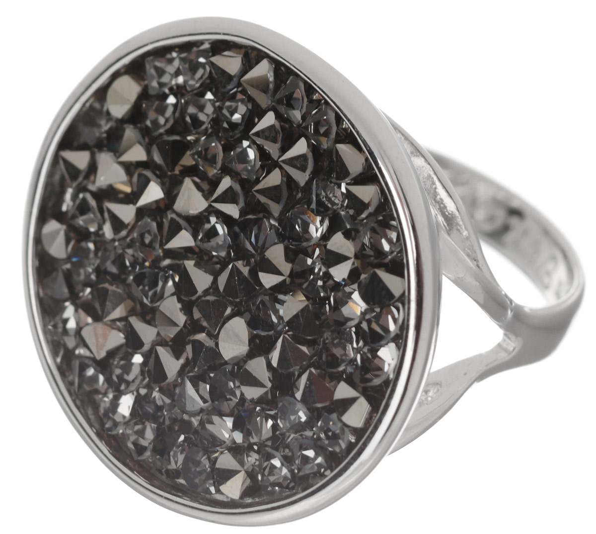 Кольцо Jenavi Карпо, цвет: серебряный, серый. j337f066. Размер 18Коктейльное кольцоЯркое дизайнерское кольцо Jenavi Карпо выполнено из ювелирного сплава с антиаллергическим гальваническим покрытием серебром с родированием. В кольце Карпо ярко присутствует стиль арт-деко, сохранивший в своих элементах роскошную красоту и выразительность восточного направления. Кристаллы Swarovski ассоциируются с великими нераскрытыми тайнами и вечной божественной силой. К тому же изделие обладает превосходной практичностью и сочетаемостью, несмотря на свою яркую центральную часть.Изысканное решение и оригинальный дизайн этого кольца не позволят вам остаться незамеченными!
