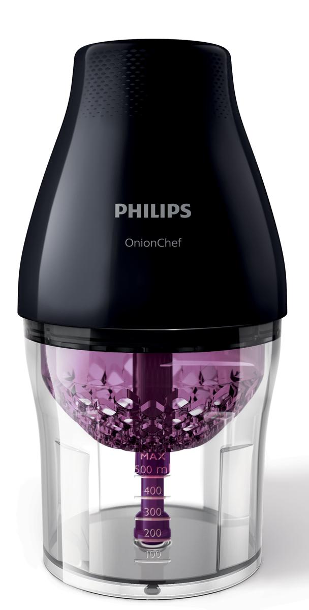 Philips HR2505/90 измельчительHR2505/90Наконец вы можете нарезать продукты, как настоящий шеф-повар. В многофункциональном измельчителе Philips OnionChef с технологией ChopDrop кусочки лука и других ингредиентов всегда получаются ровными и не слипаются. Отдельное высокоскоростное лезвие позволяет готовить фарш, а также измельчать зелень и многие другие продукты.Технология ChopDrop:При разработке технологии ChopDrop в компании Philips были учтены все сложности, связанные с нарезкой ингредиентов (особенно лука) — теперь вы можете нарезать продукты без труда, как настоящий шеф-повар. Камера уникальной конструкции удерживает ингредиенты внутри, в то время как три острых ножа измельчают их. При достижении оптимального размера сухие и ровные кусочки попадают в чашу. Прибор идеально походит для обработки лука, различных овощей, фруктов, сыра, орехов и других продуктов.Мощный мотор 500 Вт:Мотор многофункционального измельчителя Philips OnionChef с высокой мощностью 500 Вт обеспечивает легкое и быстрое измельчение даже твердых ингредиентов.Крупная нарезка при помощи ChopDrop:При использовании технологии ChopDrop измельчитель Philips OnionChef работает с оптимальной низкой скоростью. Поэтому кусочки всегда получаются ровными и не слипаются — как при измельчении лука и других мягких ингредиентов, например цукини, вареных яиц, перца или моцареллы, так и при обработке твердых продуктов, например орехов или моркови. Идеальный прибор для ежедневного приготовления любимых блюд, а также соусов и закусок (сальса, цацики), ризотто и многого другого!Лезвия для быстрой и мелкой нарезки:Дополнительное высокоскоростное лезвие измельчителя Philips OnionChef позволяет мелко нарезать разнообразные ингредиенты — например, мясо, орехи, сухофрукты, травы, пармезан, шоколад и многое другое — с мастерством настоящего шеф-повара. Вы сможете измельчить мясо для татарского бифштекса, фрикаделек, соуса болоньезе или тако, приготовить домашний соус песто или хумус, а также энергетический батончик или 