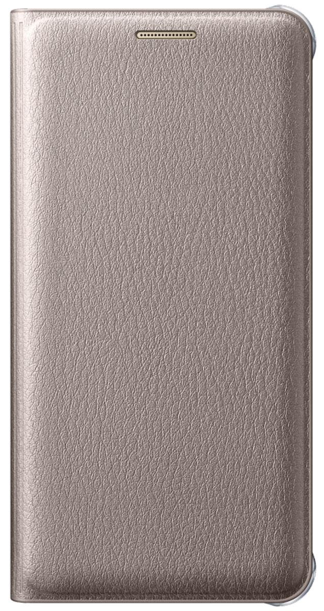 Samsung EF-WA510 Flip Wallet чехол для Galaxy A5 (2016), GoldEF-WA510PFEGRUЧехол-книжка Samsung Flip Wallet подходит для модели смартфона Samsung Galaxy A5 (SM-A510F). В отличие от простых накладок он защищает не только боковые грани и заднюю стенку смартфона, но и экран от пыли, царапин и потертостей. Он выполнен из полиуретана и плотно прилегает к корпусу девайса. Изящный чехол в минималистичном стиле станет отличным подарком для практичных людей. В специальном кармашке внутри чехла можно хранить визитки, кредитные карты или денежные купюры. Тонкие стенки аксессуара практически не увеличивают габаритов Samsung Galaxy A5. При пользовании смартфона доступы ко всем портам и камере остаются открытыми.
