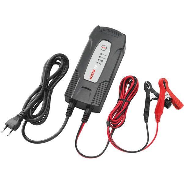 Устройство зарядное Bosch C1018999901МУстройство Bosch C1 сконструировано для заряда открытых и множества закрытых свинцово-кислотных аккумуляторов, которые используются в легковых автомобилях, мотоциклах и некоторых других транспортных средствах.Специальная концепция устройства обеспечивает повторный заряд аккумулятора почти на 100% его емкости.Данное зарядное устройство имеет специальную функцию (импульсный заряд), которая позволяет зарядить почти разряженный аккумулятор.Высокоэффективные защитные меры, предотвращающие неправильное использование и возникновение короткого замыкания, обеспечивают безопасную работу. Благодаря интегрированной схеме зарядное устройство начинает заряд лишь через несколько секунд после выбора режима заряда. За счет этого предотвращаются искры, часто возникающие во время подключения.Кроме того, управление зарядным устройством аккумулятора осуществляется с помощью внутреннего микрокомпьютерного модуля MCU.Устройство обладает индикатором режима ожидания/питания, кнопкой выбора режима, защитой от неправильной полярности, индикатором полной зарядки и индикатором степени заряженности.Расчетное входное напряжение: 230 В/ 50 Гц.Ток включения: Расчетный входной ток: максимум 0,6 А.Потребляемая мощность: 60 Вт.Выходное напряжение: 12 В.Зарядное напряжение: 14,7 В (+- 0,25 В).Зарядный ток: 3,5 А (+- 10%).Выходной ток: 3,5 А.Пульсация: 150 мВ.Обратный ток: Степень защиты IP 65.Тип аккумулятора: свинцово-кислотный 12 В.Емкость аккумулятора: 5-120 Ач.Предохранитель (внутренний): 1,6 А.Уровень шума: Температура окружающей среды: от 0°С до +40°С.