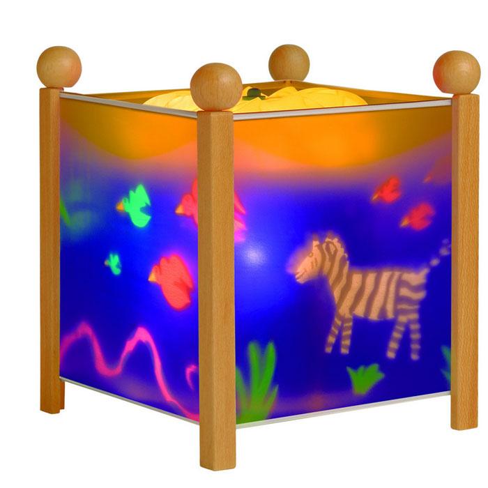 Trousselier Светильник-ночник Magic Lantern Jungle цвет натуральный4351 12VНочники Trousselier - идеальный аксессуар для детской комнаты. Нежный свет и красочные картинки создадут атмосферу уюта, успокоят и убаюкают кроху.Вы можете подобрать картинку, а также музыкальную подставку с подзаводом (опция). Классический ночник с вращающейся картинкой. Цилиндр ночника вращается благодаря системе нагрева от лампочки 12 V 20 W, розетка E 14.C. Материал: металлический корпус, деревянные ножки и углы, пластиковый, жароустойчивый цилиндр. Поставляется в подарочной упаковке. Соответствует нормам безопасности: CE EN 60598-2-10.Размер: 16,5 x 19 см.