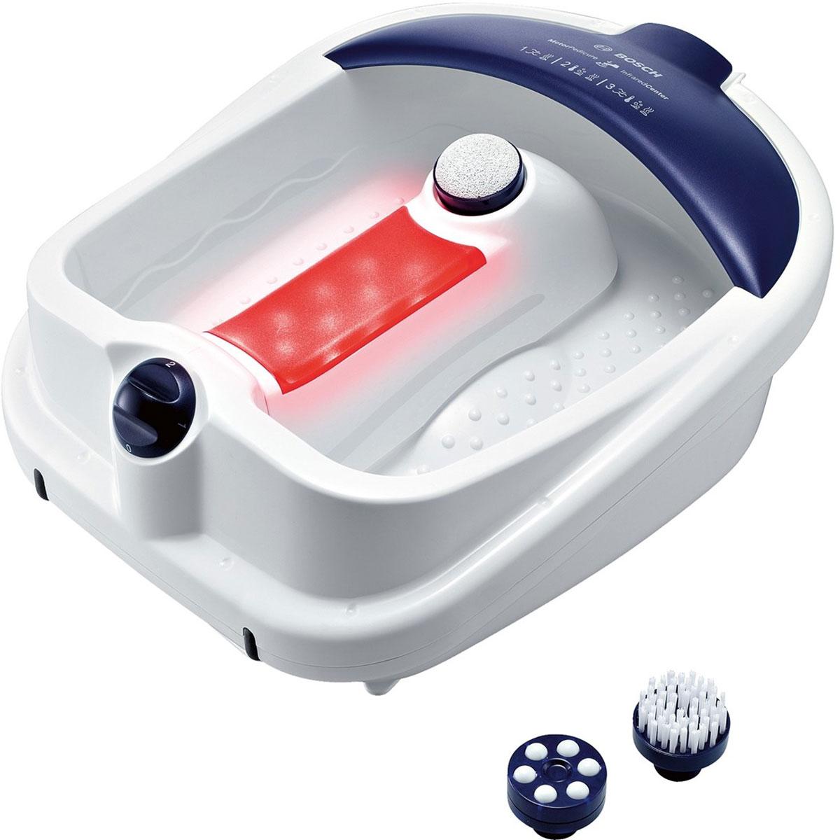 Bosch PMF3000 гидромассажная ванночка для ногPMF3000Массажная ванночка Bosch PMF3000 предназначена для бережного ухода за ногами в домашних условиях. Она позволит вам устроить настоящий праздник для ваших ножек, ведь в комплект устройства входят различные насадки, такие как щетка, пемза и массажные ролики, которые позволят вам сделать салонный педикюр. Функции вибромассажа, пузырькового массажа и поддержания тепла позволят расслабиться после тяжелого дня. Большая массажная поверхность ванночки подойдет даже для 45 размера ноги!Инфракрасная зонаУдобный слив водыЗащита от брызгНамотка шнура для более удобного храненияПоворотный переключатель
