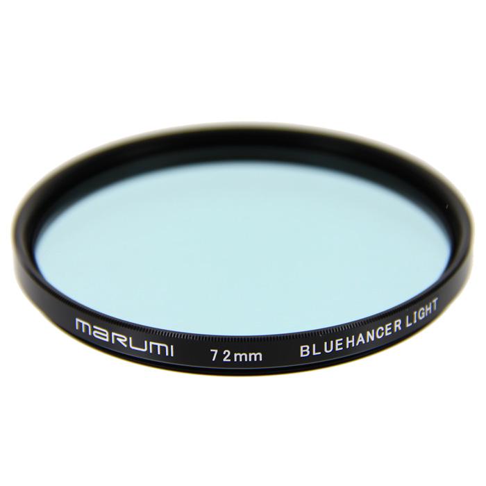 Marumi BlueHancer Light цветоусиливающий фильтр (72 мм)WPC-UVMarumi BlueHancer Light - спектральный цветоусиливающий фильтр, работающий по методу спектрального резонанса. Он сохраняет прежнюю насыщенность цветов, и только тот, на который настроен - усиливает. BlueHancer Light чисто и сочно усиливает цвета синей части спектра. Также полезен в облачный день или при съемке в контровом освещении в студии.