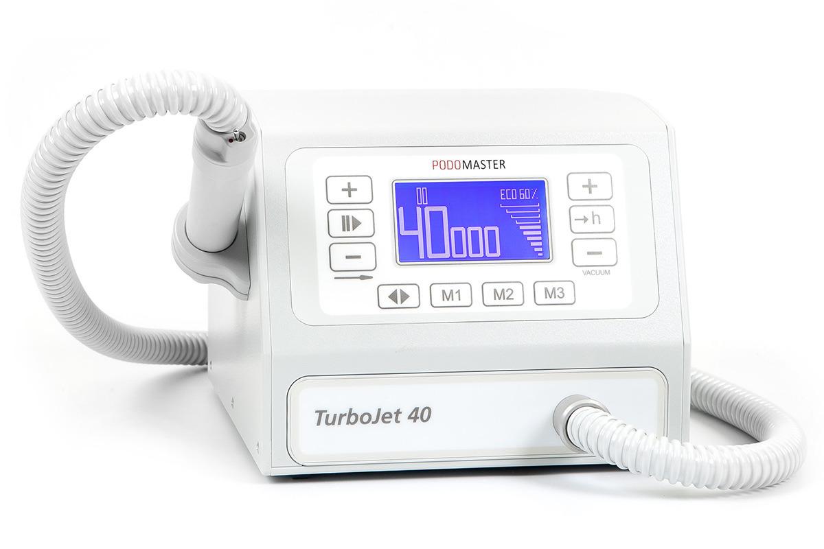 Евромедсервис Педикюрный аппарат с пылесосом Podomaster TurboJet 40 (40 тыс. об/мин)793Аппарат для педикюра Podomaster TurboJet 40 предназначен для проведения процедур педикюра с одновременным удалением пыли в специальный мешок при помощи встроенного пылесоса.Скорость вращения аппарата — 40 000 оборотов в минуту.Функции: 3 ячейки памяти скорости вращения, счетчик часов работы для своевременной замены фильтра, плавная регулировка оборотов, реверс, функция паузы, регулировка мощности пылесоса, цифровой дисплей, возможность подключения педали плавной регулировки оборотов (опция).Отличительные особенности: бесщеточный мотор в наконечнике, большой экран, регулировка всех настроек при помощи клавиатуры, ультралегкий наконечник, выключатель на ручке, боковой держатель для наконечника, силиконовый колпачок против попадания пыли в выключатель.Боковой держатель для наконечника может устанавливаться как на левую, так и на правую сторону аппарата.