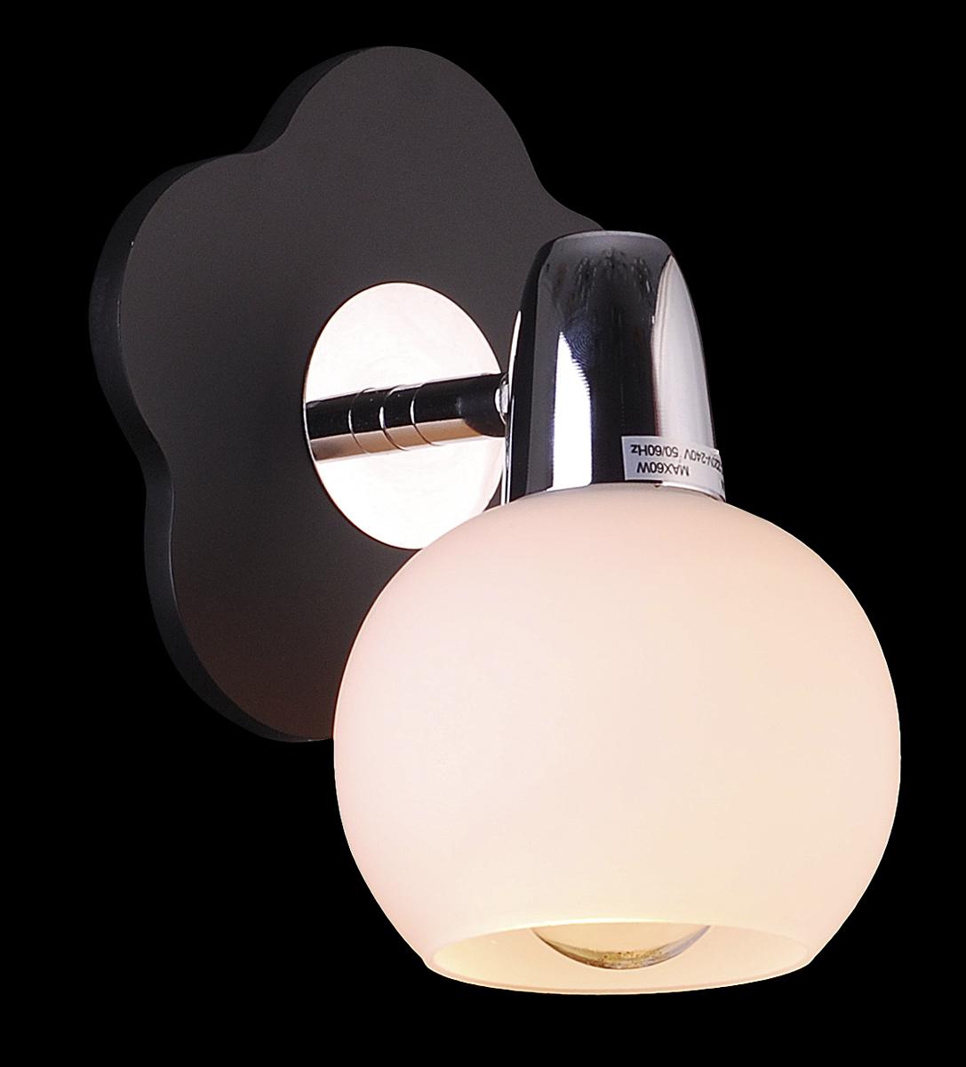 Бра Natali Kovaltseva, цвет: венге, 1 х E14, 60W. 10742/1W10742/1W WENGEБра Natali Kovaltseva, выполненное в стиле эко, станет украшением вашей комнаты и изысканно дополнит интерьер. Изделие крепится к стене. Такое бра отлично подойдет для освещения кабинета, спальни или гостиной. Бра выполнено из дерева в форме цветка и дополнено металлическими элементами с хромированным покрытием, плафон изготовлен из матового стекла. В коллекциях Natali Kovaltseva представлены разные стили - от классики до хайтека. Дизайн и технологическая составляющая продукции разрабатывается в R&D центре компании, который находится в г. Дюссельдорф, Германия. При производстве продукции используются высококачественные и эксклюзивные материалы: хрусталь ASFOR, муранское стекло, перламутр, 24-каратное золото, бронза. Производство светильников соответствует стандарту системы менеджмента качества ISO 9001-2000. На всю продукцию ТМ Natali Kovaltseva распространяется гарантия.