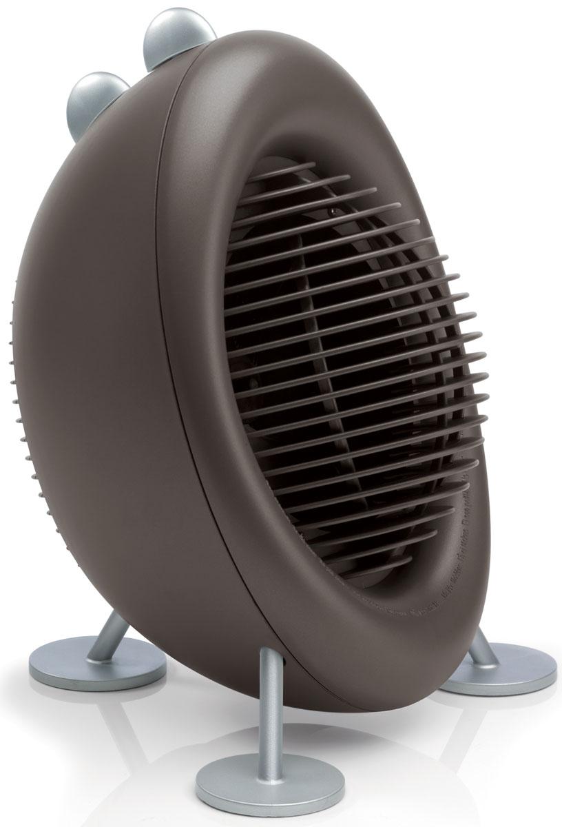 Stadler Form Max Air Heater, Bronze тепловентилятор0802322005547В климатической линейке Stadler Form, представленной в России, пополнение – маленький и забавный тепловентилятор Max. Продолжая традицию бренда сочетать в себе неповторимый дизайн и безукоризненное качество, Max эффективно и практически бесшумно справляется с проблемой обогрева небольших помещений.Тепловентилятор имеет ряд существенных преимуществ перед другими видами обогревателей – он мгновенно обеспечивает тепло, не требует сложной инсталляции, не занимает места, мобилен и недорог. Max не оставит равнодушными людей, ценящих комфорт и удобство и обладающих легким и веселым нравом, ведь дизайнер Stadler Form воплотил в этом маленьком утилитарном бытовом устройстве свое хорошее настроение, подарив улыбку и тепло покупателям. Все вместе делает его настоящей изюминкой интерьера, подчеркивая индивидуальность хозяина, его хороший вкус и жизнерадостность.