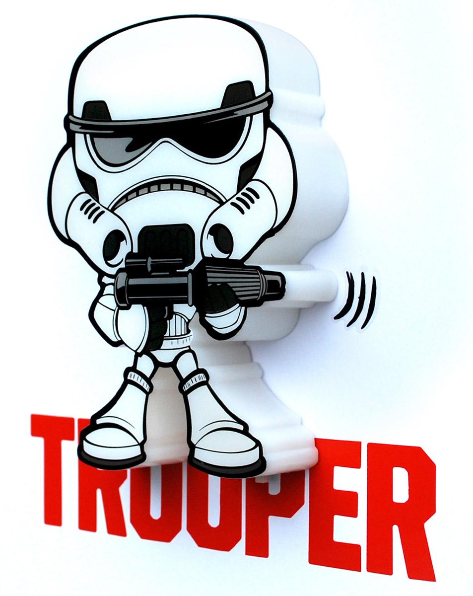 Star Wars Пробивной 3D мини-светильник Штормтрупер50018120Пробивной 3D мини-светильник Star Wars Штормтрупер обязательно понравится вашему ребенку.Особенности: Безопасный: без проводов, работает от батареек (2хААА, не входят в комплект);Не нагревается: всегда можно дотронуться до изделия;Реалистичный: 3D наклейка в комплекте;Фантастический: выглядит превосходно в любое время суток;Удобный: простая установка (автоматическое выключение через полчаса непрерывной работы).Товар предназначен для детей старше 3 лет. ВНИМАНИЕ! Содержит мелкие детали, использовать под непосредственным наблюдением взрослых.