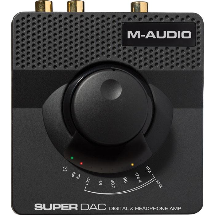 M-Audio Super DAC, Black внешний ЦАПSUPERDACIIM-Audio Super DAC - компактный внешний ЦАП, предназначенный для использования с компьютерами на платформе Windows или Mac. Данная модель оснащена чипом Wolfson WM8740 и может принимать PCM-сигнал в разрешении до 192 кГц/24 бит через порт USB 2.0. Кроме того, устройство имеет высококачественный встроенный усилитель для наушников с выходами на разъёмах типа миниджек и джек. При этом к первому можно подключать наушники с сопротивлением 16 - 100 Ом, а ко второму – с импедансом 100 - 600 Ом.Помимо USB-интерфейса M-Audio Super DAC получилл линейный стереовход для подключения к аналоговым источникам звука. Также в наличии имеется линейный выход типа 2 ? RCA, коаксиальный и оптический цифровые выходы. Цифро-аналоговый преобразователь получает питание по шине USB или же через опциональный (не входит в комплект) адаптер переменного тока.