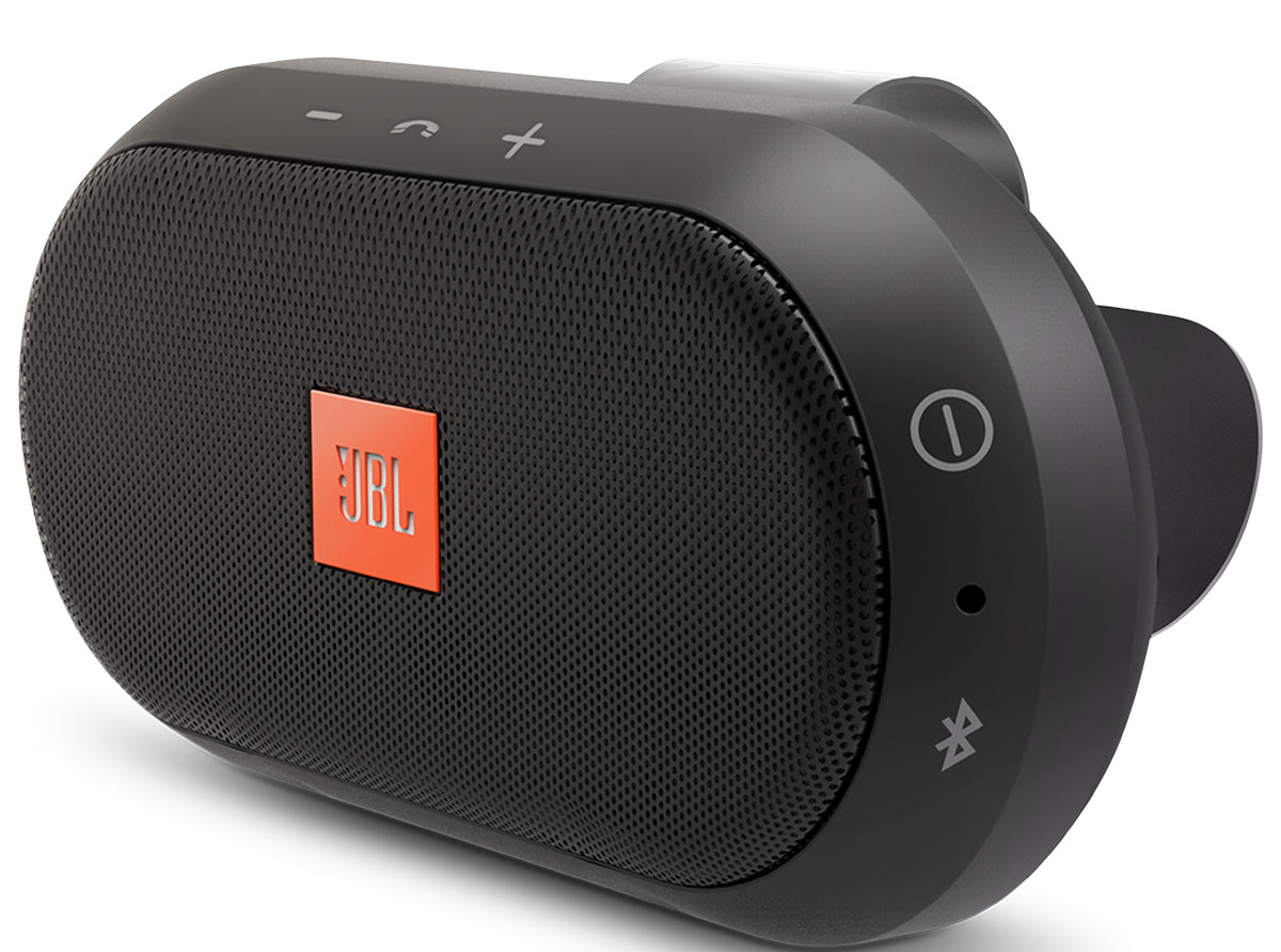 JBL Trip Bluetooth портативная акустическая системаTRIPJBL Trip Bluetooth - портативная акустическая система, которую можно повесить на солнцезащитный козырек в автомобиле.Поскольку разговор часто приходится продолжать после остановки автомобиля, в конструкцию динамика Trip заложена высокая портативность. Динамик быстро крепится на ветровое стекло прокатного автомобиля и так же быстро снимается с него, после чего его можно взять в номер отеля, на кухню или в офис, продолжив его использование. Сконструированный с использованием огромного опыта компании JBL в производстве акустического оборудования, этот продукт удобен, как всякий динамик Bluetooth, и позволяет слушать музыку до 8 часов без подзарядки.Аккумулятор Li-Ion 1200 мАч легко подзаряжается, что позволяет не думать о батарейках и экономит средства.Поддержка технологии Bluetooth позволяет передавать потоковую музыку в высоком качестве с мобильных устройств. Источником звука может быть мобильный телефон, планшетное устройство или ноутбук — эта модель сможет с ним работать.Эксклюзивная запатентованная технология шумоподавления позволяет водителю наслаждаться безупречным качеством звука при звонках даже во время движения по скоростной магистрали.Поддержка служб Siri и Google Now, установленных на смартфоне (через Bluetooth).Широкополосный динамик 40 мм