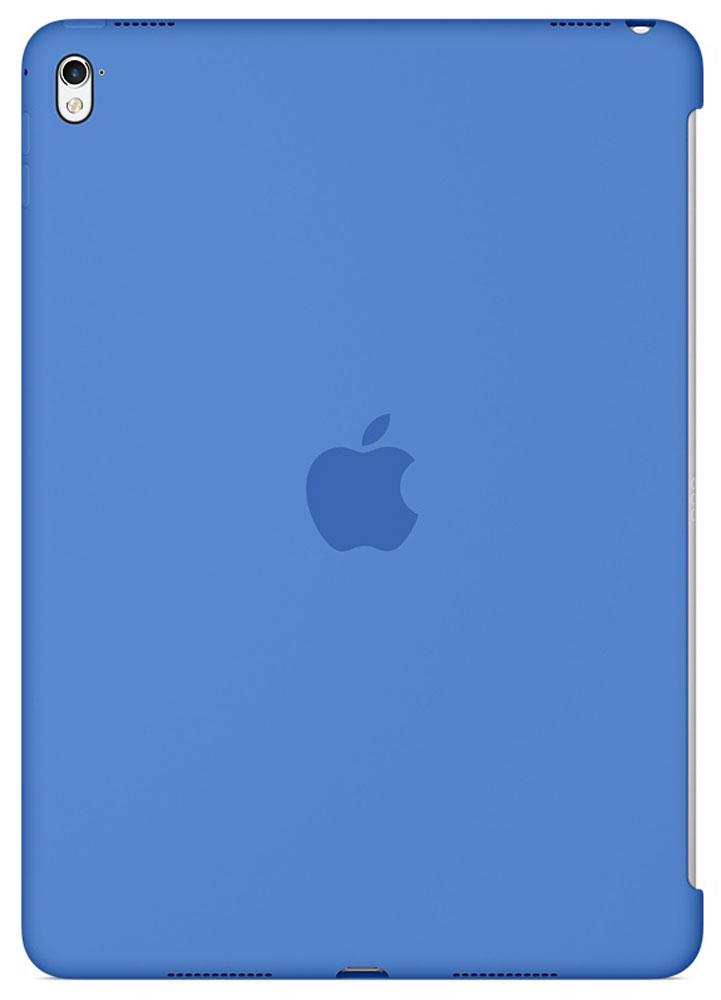 Apple Silicone Case чехол для iPad Pro 9.7, Royal BlueMM252ZM/AСиликоновый чехол от Apple закрывает заднюю поверхность вашего iPad Pro и плотно прилегает к кнопкам, не делая его толще. Мягкая внутренняя поверхность из микроволокна защищает устройство, а гладкий силикон очень приятен на ощупь. Чехол идеально совместим с новой клавиатурой Smart Keyboard и обложкой Smart Cover. Ваш iPad Pro защищён со всех сторон.