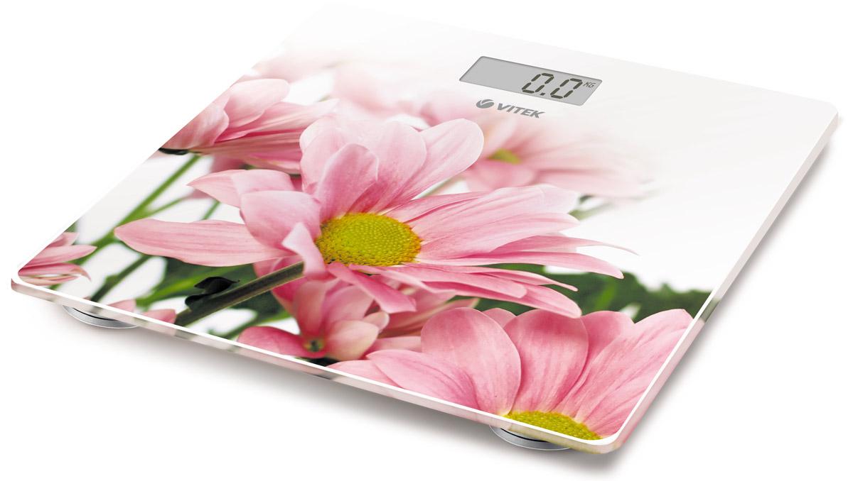 Vitek VT-8051(W) весы напольныеVT-8051(W)Напольные весы Vitek VT-8051(W) с ярким дизайном, которые наполнят ваш дом отличным настроением! Простые и удобные в работе, они позволят легко определить свой вес с точностью до 100 грамм. Вам стоит лишь установить весы на ровную поверхность, встать на них, а дальше умное устройство автоматически включится и определит ваш вес в килограммах, стоунах или фунтах. Платформа из закаленного стекла выдержит вес до 150 килограмм. LCD дисплей позволит вам определить результаты взвешивания.Размер весов: 28 см х 28 смРазмер дисплея: 6,5 см х 2,8 см