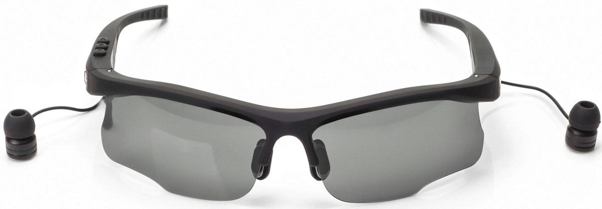 Harper HB-600, Black очки с Bluetooth-гарнитуройH00001015Стильные спортивные солнцезащитные очки с Bluetooth-гарнитурой Harper HB-600. Cветофильтры очков изготовлены из пластика, легкого и небьющегося. Фильтры поляризованы, то есть они не просто затемняют, а именно не пропускают вредные для глаз лучи.В Harper HB-600 используются внутриканальные наушники, которые выведены на небольших проводках из оправы возле уха. Подключение к вашему устройству происходит посредством беспроводной связи Bluetooth.Длины провода достаточно, чтобы можно было поднять очки наверх, не вытаскивая гарнитуру из ушей. На внешней стороне оправы предусмотрены металлические вставки, к которым примагничиваются наушники. Внутренняя часть дужек покрыта резиной.