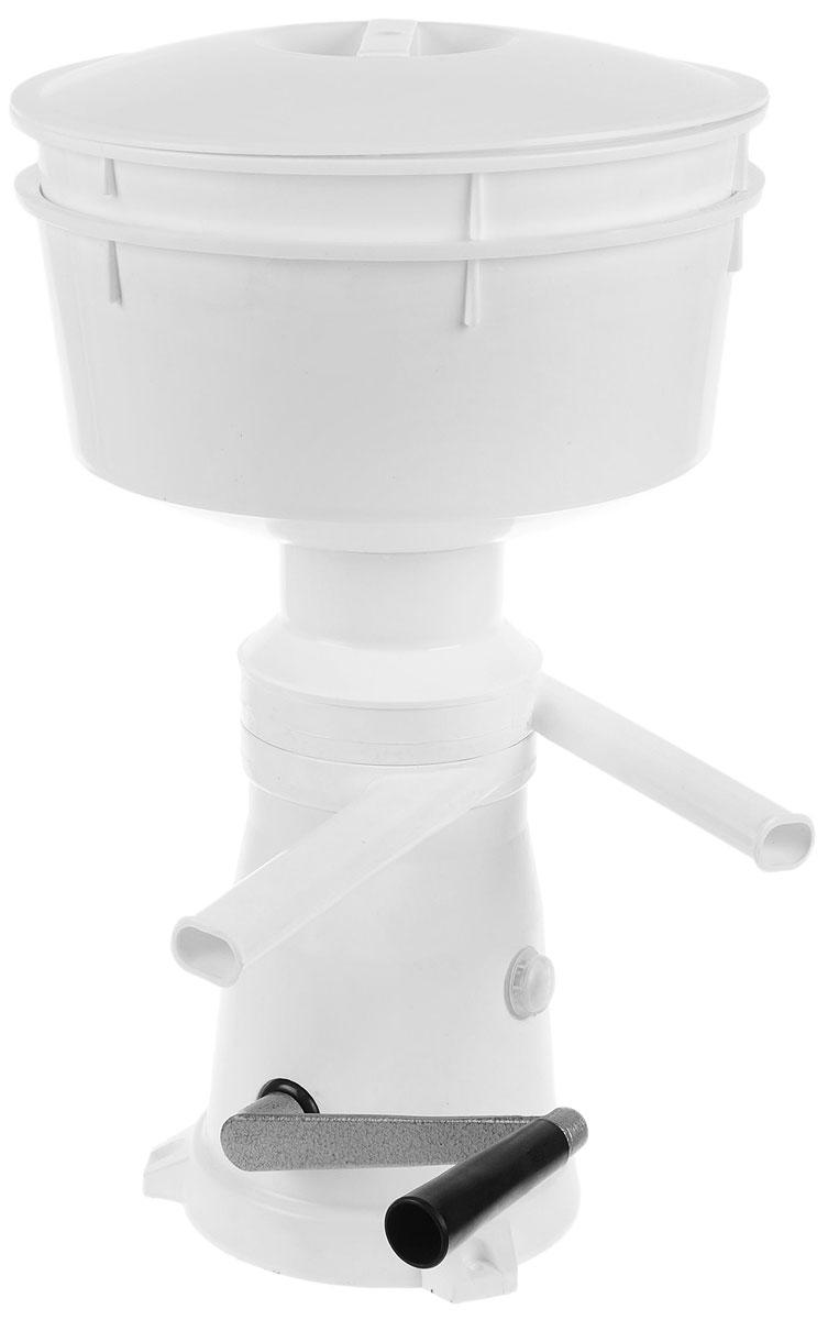 Салют РЗ-ОПС-М (СП15000000000) сепаратор молокаРЗ-ОПС-М (СП15000000000)Сепаратор-маслобойка Салют РЗ-ОПС-М с ручным приводом разделяет цельное молоко на сливки и обезжиренное молоко (обрат) с одновременной очисткой от загрязнений, оставшихся после процеживания молока. Также используется для приготовления масла из созревших сливок или сметаны, коктейлей, майонеза, размешивания жидкого теста в домашних условиях.Сепаратор:Производительность: не менее 50 дм3/ч Частота вращения барабана: 10000 об/мин Емкость приемника молока: 5,5 дм3 Содержание жира в обрате: не более 0,05%Регулировка объемных соотношений сливок к обрату: от 1:4 до 1:10 МаслобойкаПродолжительность сбивания сливок 6-15 минПриготовления майонеза, коктейлей 6-8 минРазмешивания жидкого теста 2-3 минЧастота вращения активатора: 900-1000 об/мин Жирность пахты: не более 0,8%