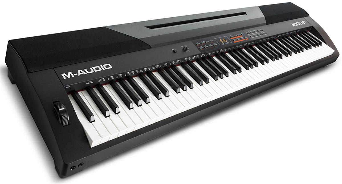 M-Audio Accent цифровое фортепианоM-Audio AccentM-Audio Accent - портативное полнофункциональное цифровое пианино с 88 клавишами, 20 встроенными тембрами фортепиано и 50 стилями аккомпанемента.Благодаря 50 стилям аккомпанемента, любой музыкант сможет подобрать идеальный стиль для своего исполнения. А профессионального качества разъемы с бесшумным подключением предоставляют высочайшего качества передачу сигнала. Accent подключается к любому компьютеру через USB-MIDI порт для управления виртуальными инструментами и плагинами. Это превосходное цифровое пианино имеет все необходимое: профессиональные XLR разъемы, превосходные звуки, включая AIR Steinway сэмплы, полноразмерную 88-клавишную клавиатуру с молоточковой механикой и управление виртуальными инструментами.M-Audio Accent дает возможность возможность играть с 60 предустановленными песнями или записывать свои собственные в режиме записи. Имеются также дополнительные функции: контроль транспонирования, встроенный метроном, 1/4 дополнительный выход, и два 1/4 выхода для наушников. Предусмотрена и поддержка педали, которая поставляется в комплекте.