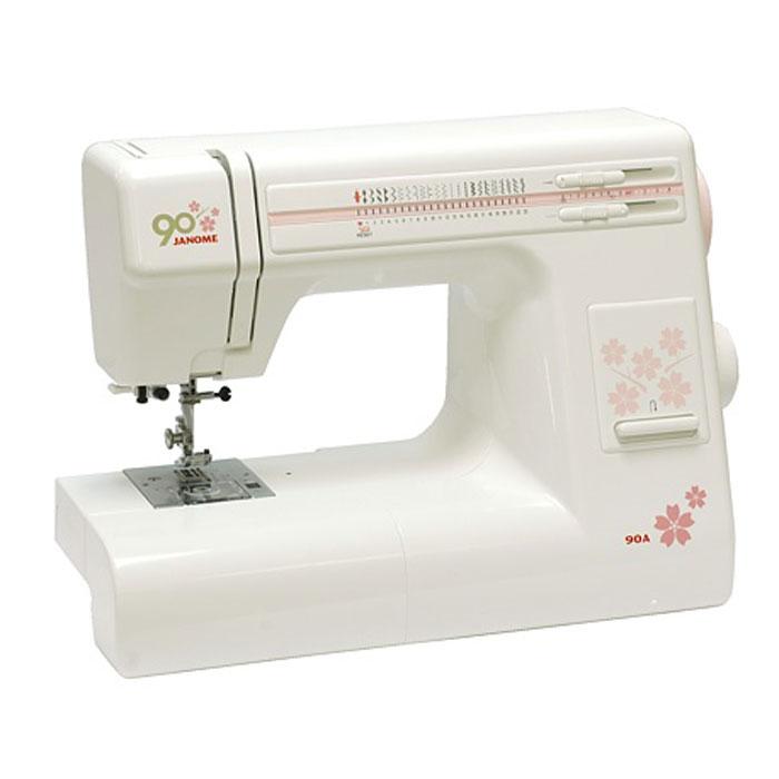 Janome 90 A швейная машина90AJanome 90 A - универсальная швейная машина. Она имеет оптимальный набор строчек, среди которых несколько оверлочных и довольно много строчек для работы с трикотажем, а также умеет выметывать петлю в автоматическом режиме.Если вы откроете верхнюю крышку, то увидите инструкцию, на которой указано какую длину и ширину стежка использовать для выполнения какой-либо швейной операции, а так же какую установить лапку и натяжение нити. Также, под крышкой расположены регуляторы натяжения верхней нити и давления лапки.Швейная машина имеет регулятор давления лапки на ткань, что позволит подстроить, в случае необходимости, усилие прижима для получения наилучшего результата. Ослабление давления лапки также бывает необходимо для получения кривых линий с плавным поворотом. Особенно важно наличие регулятора давления при шитье трикотажа, поскольку он имеет свойство сильно растягиваться под прижимной лапкой, а ослабив давление можно уменьшить эффект растяжения.Под верхней крышкой расположено удобное место для хранения лапок, набора игл и других аксессуаров. Горизонтальное расположение катушки позволяет нитке разматываться ровно без рывков. В этой швейной машине применен горизонтальный челнок двойного обегания. Под прозрачной крышкой прекрасно видно количество нити оставшейся на шпульке. Машины оснащенные челноком двойного обегания меньше вибрируют и в челноке значительно реже запутывается нижняя нить. Горизонтальный челнок не требует смазки.Лапка этой машинки может быть заменена за считанные секунды. Достаточно нажать сзади на красную кнопку, чтобы отсоединить старую лапку, затем подложить новую лапку под лапкодержатель и опустить его - лапка заменена. Данная модель комплектуется легким жестким пластиковым чехлом для защиты от пыли и случайных повреждений.