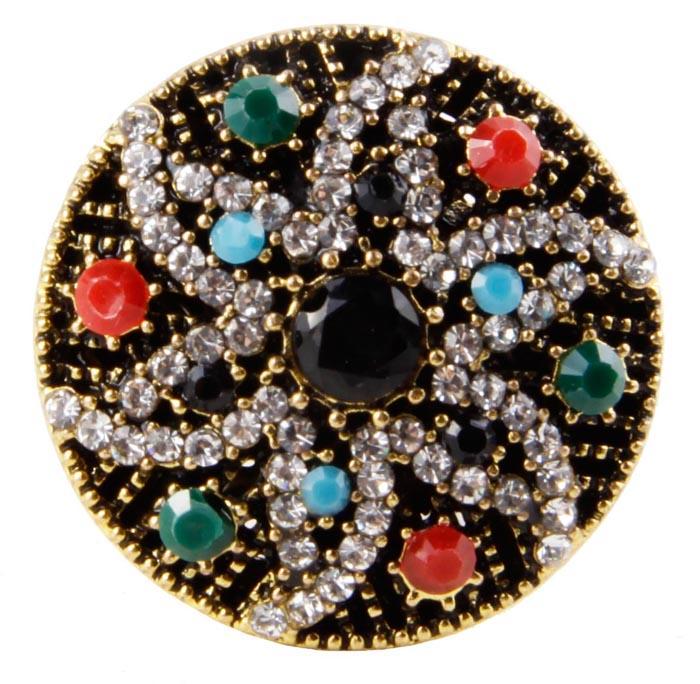 Кольцо Селена в византийском стиле. Бижутерный сплав, австрийские кристаллы, искусственные камни. Конец XX векаКоктейльное кольцоКольцо Селена в византийском стиле. Бижутерный сплав, австрийские кристаллы, искусственные камни. Конец ХХ века. Размер 7. Сохранность хорошая. Предмет не был в использовании. Изящное украшение выполнено в ярко выраженном византийском стиле. Кольцо украшено целой россыпью австрийских страз, инкрустированы имитацией драгоценных камней. Представленное вашему вниманию изделие отличается высоким уровнем мастерства исполнения, оригинальным авторским дизайном. Этот аксессуар станет изысканным украшением для романтичной и творческой натуры и гармонично дополнит Ваш наряд, станет завершающим штрихом в создании образа.