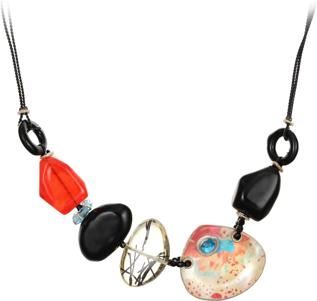 Кулон Lalo Treasures, цвет: черный, оранжевый. P4509-2Брошь-инталияЯркий дизайнерский кулон Lalo Treasures станет отличным дополнением к вашему стилю. Кулон изготовлен из качественной ювелирной смолы и металлического сплава. Декоративная часть кулона выполнена в виде фигурок камней разной формы и цвета, соединенных между собой пластиковой веревкой, украшенной бусинками. Кулон застегивается на замок-карабин, а длина регулируется с помощью звеньев.. Интересный дизайн кулона подчеркнет ваш образ и позволит вам быть оригинальной и изящной.
