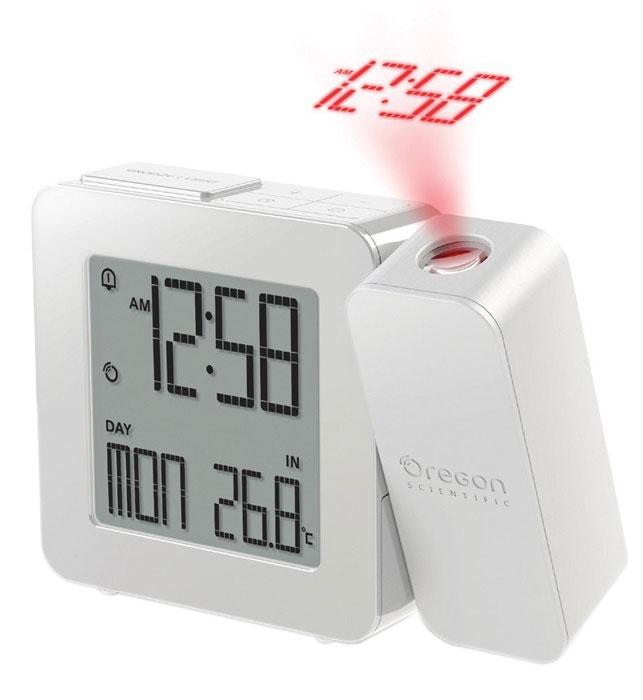 Oregon Scientific RM338-P, White часы проекционныеRM338P-wПроекционные часы Oregon Scientific RM338-P с термометром.Сохраняя баланс между привлекательной ценой и достойным качеством, компания Oregon Scientific реализовала проекционные часы с термометром - RM338-P. Устройство специально для тех, кто не желает оставаться заурядным, а напротив - любит стиль и оригинальность.Вы никогда не забудете узнать температуру, погоду или время. При пробуждении, лежа на кровати, удобную подачу информации создаст проекция, которая отобразит данные на любой поверхности. А проснувшись ночью, можно узнать время не поднимая головы с подушки. Поворот проектора предполагает возможность изменения угла проецирования на 180 градусов. Эта функция даст возможность увидеть время в виде светящихся цифр или иконок с погодой на стене или потолке.Фокусное расстояние: 1,5 м - 2 м (фиксированное)Радиоконтролируемые часыДвойной будильник