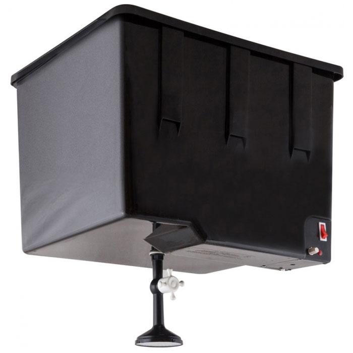 ЭлБЭТ ЭВБО-55, Black электроводонагревательЭВБО-55Стильный дизайн ЭлБЭТ ЭВБО-55 не оставит равнодушным даже самого взыскательно клиента. Бак изготовлен из высококачественных материалов и предназначен для приема душевых процедур, как в составе уличной душевой кабинки, так и внутри помещения. Бак имеет возможность регулировать температуру нагрева до 55°С, снабжен сетевым выключателем, и индикацией включения ТЭНа. Корпус и крышка бака выполнены из черного пластика, что позволяет воде нагреваться от солнечных лучей.