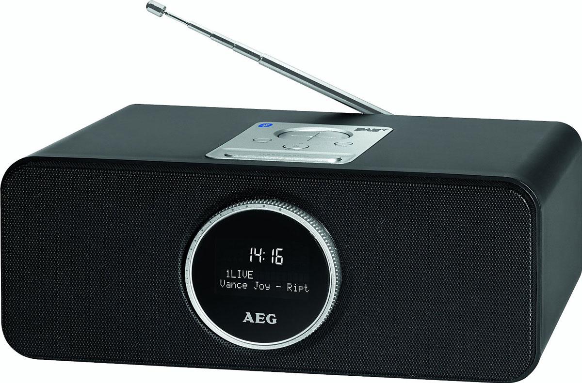 AEG SR 4372 DAB+, Black радиоприемникSR 4372 schwarz DAB+Bluetooth стерео-радио AEG SR 4372 с DAB+/VHF модулями для приема цифровых радиостанций оснащено большим черно-белым LCD-дисплеем, USB-портом, AUX-IN, часами, регулировкой уровня звука, а также имеет возможность ручного и автоматического сканирования. Функция будильника снабжена возможностью установки двух разных времен и режимом сна. Функция Bluetooth идеально подходит для беспроводного соединения (A2DP, дальность до 15 м), например, со смартфоном, планшетом, или другим устройством, поддерживающим данную технологию, для передачи музыкальных файлов или трансляции интернет-радио. Также возможно соединение через AUX-IN.