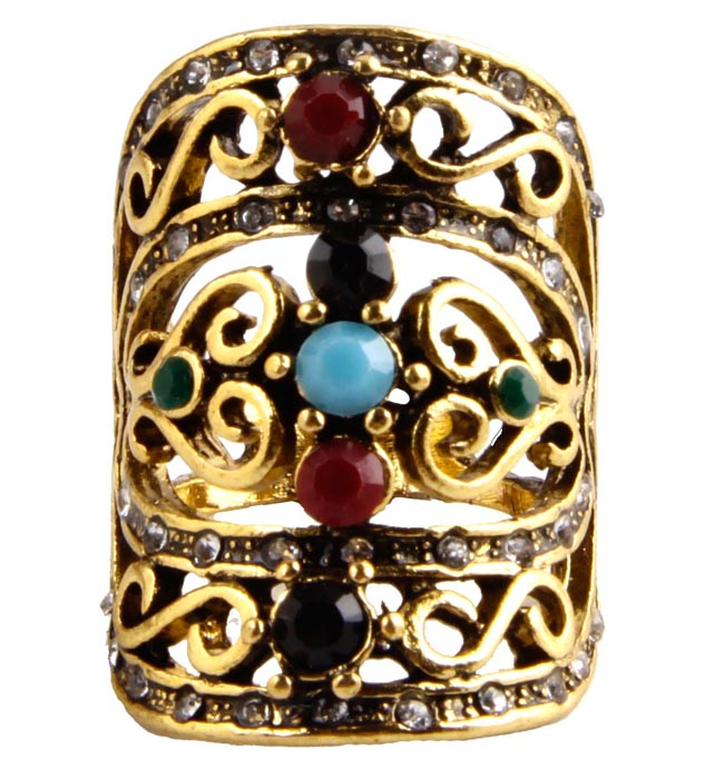 Кольцо Миллениум. Металл, австрийские кристаллы, искусственные камни. Конец XX векаКоктейльное кольцоКольцо Миллениум. Металл, австрийские кристаллы, искусственные камни. Конец ХХ века. Размер 17. Сохранность хорошая. Предмет не был в использовании. Изящное украшение выполнено в ярко выраженном византийском стиле. Кольцо из металла с россыпью австрийских сверкающих страз, инкрустировано имитацией драгоценных камней. Представленное вашему вниманию изделие отличается высоким уровнем мастерства исполнения, оригинальным авторским дизайном. Этот аксессуар станет изысканным украшением для романтичной и творческой натуры и гармонично дополнит Ваш наряд, станет завершающим штрихом в создании образа.