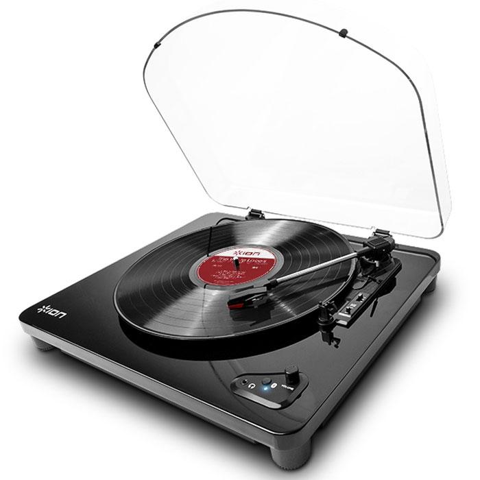 ION Audio Air LP, Black виниловый проигрывательIONairlpION Audio Air LP совершает настоящую революцию в виниле. Этот виниловый проигрыватель - первый в мире Bluetooth-передающий проигрыватель, подключающийся к любой Bluetooth-колонке. Никаких проводов, прекрасный звук, безграничные возможности. Удивительное сочетание традиционных наработок и новейших технологий. Разместите проигрыватель в любом удобном месте – и наслаждайтесь.Особенности:Bluetooth-модульСтильный деревянный корпус с покрытием рояльный лакТихий ременный привод, автостоп Крепкая акриловая пылезащитная крышка