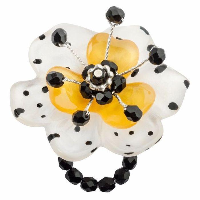 Кольцо Lalo Treasures G&G, цвет: черный, белый, желтый. R6967mКоктейльное кольцоИзысканное кольцо оригинального дизайна Lalo Treasures изготовлено из ювелирной смолы ярких цветов.Изделие выполнено в виде утонченного цветка. Скругленные углы элемента идеально подходят для нежных женских пальцев - изящество и сама элегантность. Очень винтажно смотрится на руке.Кольцо Lalo подчеркнет вашу утонченность и изысканный вкус. Изделие регулируется по размеру.