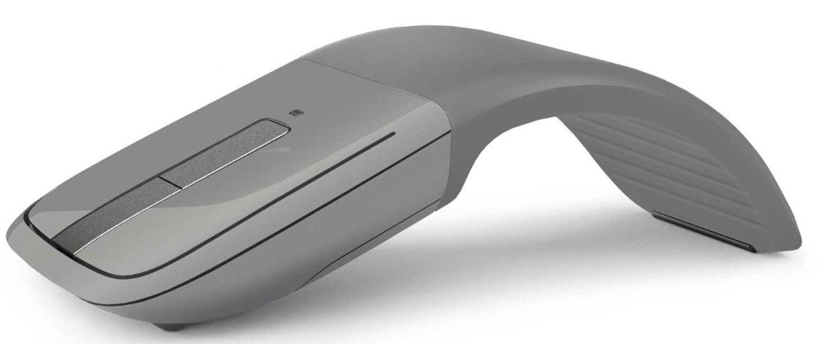 Microsoft ARC Touch Silver Bluetooth, Gray мышь7MP-00015Отмеченный наградой дизайн Arc Touch Mouse стал еще лучше для работающих в поездке. В него добавлено низкое энергопотребление, ставшее возможным благодаря Bluetooth 4.0. Это надежная мышь, работающая без помех на расстоянии до 9 метров. В ней используется новейшая технология Bluetooth, потребляющая меньше энергии.И, как и оригинальная, мышь Arc Touch Bluetooth Mouse сгибается для включения и становится плоской для выключения. Комфортная и переносная, принимающая форму вашей руки, она идеально подходит для мобильного образа жизни. Сенсорная полоска точно отвечает на скорость движения пальца, используя тактильную обратную связь для вертикальной прокрутки.Bluetrack Technology сочетает мощность оптического датчика с точностью лазерного. Это обеспечивает идеальное позиционирование мыши практически на любой поверхности. Благодаря BlueTrack Technology эта мышь может использоваться даже на деревянной поверхности или ковре.Включение/выключение: согните для включения. Разогните для выключения. Для включения не используются кнопки. При включении зеленый диод покажет, что мышь работает, а потом он отключится для экономии ресурса батареи.Разработана для комфортной работы любой из двух рук: исключительное удобство использования правой или левой рукой. Этот продукт совместим только с устройствами Windows 8 (или более поздней версии) с поддержкой Bluetooth 4.0.