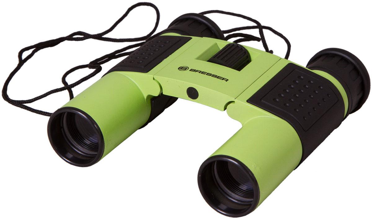Bresser Topas 10x25, Green бинокль8911027B4K000Компактный бинокль Bresser Topas 10x25 для туристов, путешественников и натуралистов. Это гармоничное сочетание удобства использования, надежности конструкции и высоких оптических характеристик. Лучше всего этот миниатюрный бинокль проявит себя при дневных наблюдениях: изучении птиц, просмотре спортивных мероприятий, исследовании дикой природы. Благодаря металлическому корпусу он переживет любые дорожные потрясения.Бинокль Bresser Topas 10x25 обеспечит получение качественной и высококонтрастной картинки, правильно передаст цвета и позволит рассмотреть удаленные предметы в мельчайших деталях. Все оптические элементы изготовлены из стекла, а внешние линзы имеют полное просветление. Чтобы сделать картинку максимально четкой, вы можете откорректировать диоптрии окуляров и точно настроить фокус. Можно отрегулировать межзрачковое расстояние, просто переместив оптические трубы. Боковые части бинокля имеют резиновые покрытие для удобства и надежности захвата.