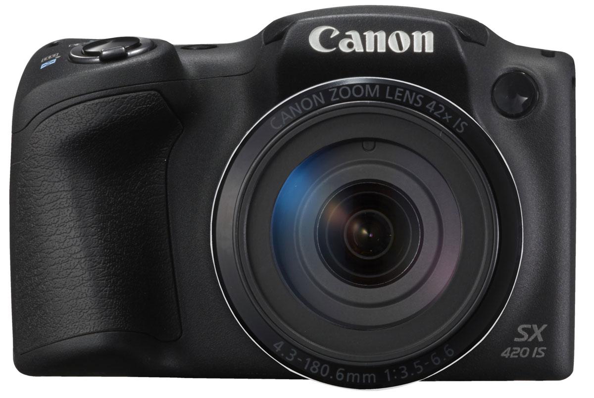 Canon PowerShot SX420 IS, Black цифровая фотокамера1068C002С легкостью запечатлейте все детали самых важных моментов в потрясающих фотографиях и видеороликах формата HD с помощью миниатюрной семейной камеры Canon PowerShot SX420 IS, оснащенной большим зумом 42x, режимом Smart Auto, поддержкой Wi-Fi и интересными творческими режимами в компактном корпусе.Запечатлейте детали отдаленных объектов благодаря большому оптическому зуму 42x или увеличьте охват кадра, используя сверхширокий угол 24 мм с помощью небольшой полупрофессиональной камеры с удобной эргономичной ручкой-держателем, которую можно взять с собой куда угодно. Эко-режим сокращает потребление энергии аккумулятора и позволяет вести съемку дольше.Снимать замечательные видеоролики просто и весело. Одно нажатие кнопки — и вы уже снимаете видео HD (720p) в формате MP4. Почувствуйте свободу творчества при видеосъемке, используя оптический зум, — результат все равно поразит вас необычайной четкостью и плавностью благодаря динамическому стабилизатору изображения.Подключайтесь к поддерживаемым мобильным устройствам одним касанием, используя Wi-Fi и NFC для простой отправки файлов. Используйте функцию синхронизации изображения для автоматического резервного копирования новых снимков в облачные сервисы и создания отличных групповых фотографий с помощью функции беспроводной дистанционной съемки с мобильного устройства. Кнопка Wi-Fi обеспечивает быстрый и простой доступ к функциям Wi-Fi.Наслаждайтесь изображениями исключительного качества и детализации и печатайте их в плакатном формате благодаря датчику 20,0 МП и процессору DIGIC 4+. Интеллектуальный оптический стабилизатор изображения обеспечивает четкость фотографий и плавность видео в любой ситуации.Наведите камеру на объект и снимайте великолепные фотографии или видео одним нажатием кнопки Auto: она включает режим Smart Auto, который сам подбирает подходящие настройки камеры. Проявите свои творческие способности в фотографиях и видеороликах с широким выбором творче