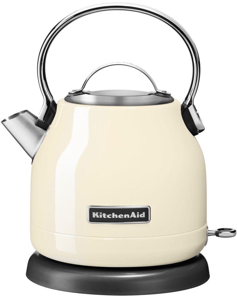 KitchenAid 5KEK1222EAC, Cream чайник электрический5KEK1222EACЭлектрический чайник KitchenAid 5KEK1222EAC объемом 1,25 л. - это стильная вещь, необходимая для идеальной чайной церемонии. Новый чайник удачно сочетает в себе ностальгическое очарование наплитных чайников, яркие фирменные расцветки и дает возможность насладиться всеми преимуществами электрического нагрева. - Быстро кипятит воду благодаря эффективному нагревательному элементу - Автоматически отключается и имеет защиту от включения без воды - На внутренней стенке чайника нанесена мерная шкала. - Широкое отверстие для наполнения водой. - Носик, предотвращающий стекание капель и брызги. - Съемный фильтр от накипи, для идеально чистой воды. - Удобная алюминиевая ручка с гладкой поверхностью и алюминиевая крышечка. - Оригинальная кнопка включения/выключения с диодной подсветкой делает управление чайником невероятно простым и комфортным. - Прочный корпус из нержавеющей стали порыт стекловидной эмалью, стойкой к сколам и царапинам. - Поворотная база на 360о с нишей для хранения шнура - Стильный, компактный дизайн идеален даже для небольшой кухни.