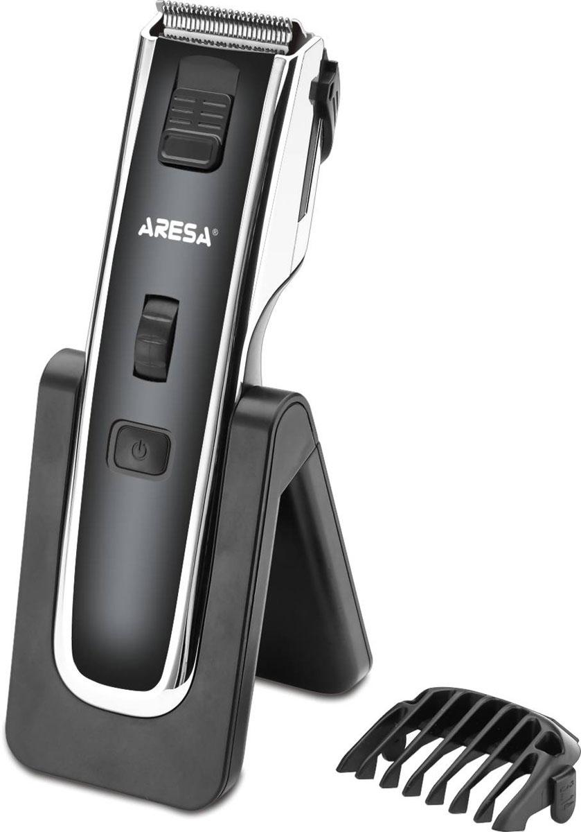 Aresa AR-1810 машинка для стрижки волосAR-1810Aresa AR-1810 - машинка для стрижки волос с двумя встроенными аккумуляторами Ni-MH ёмкостью 600 мАч каждый. Лезвия прибора изготовлены из качественной нержавеющей стали. Их длина регулируется в зависимости от ваших предпочтений. Данная модель имеет эргономичный дизайн. Она обеспечит безопасное и точное удаление волос. Также присутствует функция филировки волос. Полная зарядка осуществляется около 8 часов. В комплект входит удобная подставка для хранения.