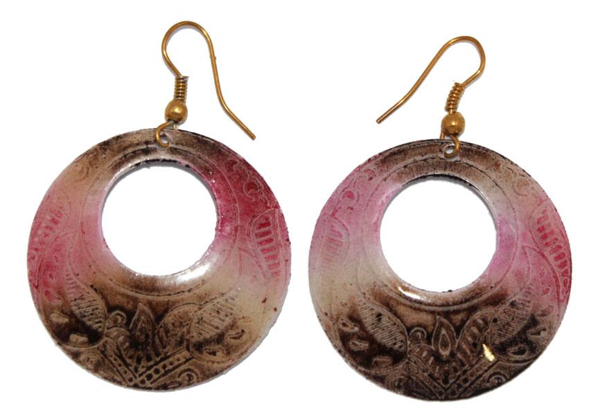 Серьги Ethnica, цвет: мультиколор. 323055_2Серьги с подвескамиСерьги Ethnica декорированы эмалью. Изделие оснащено удобным замком-петлей.