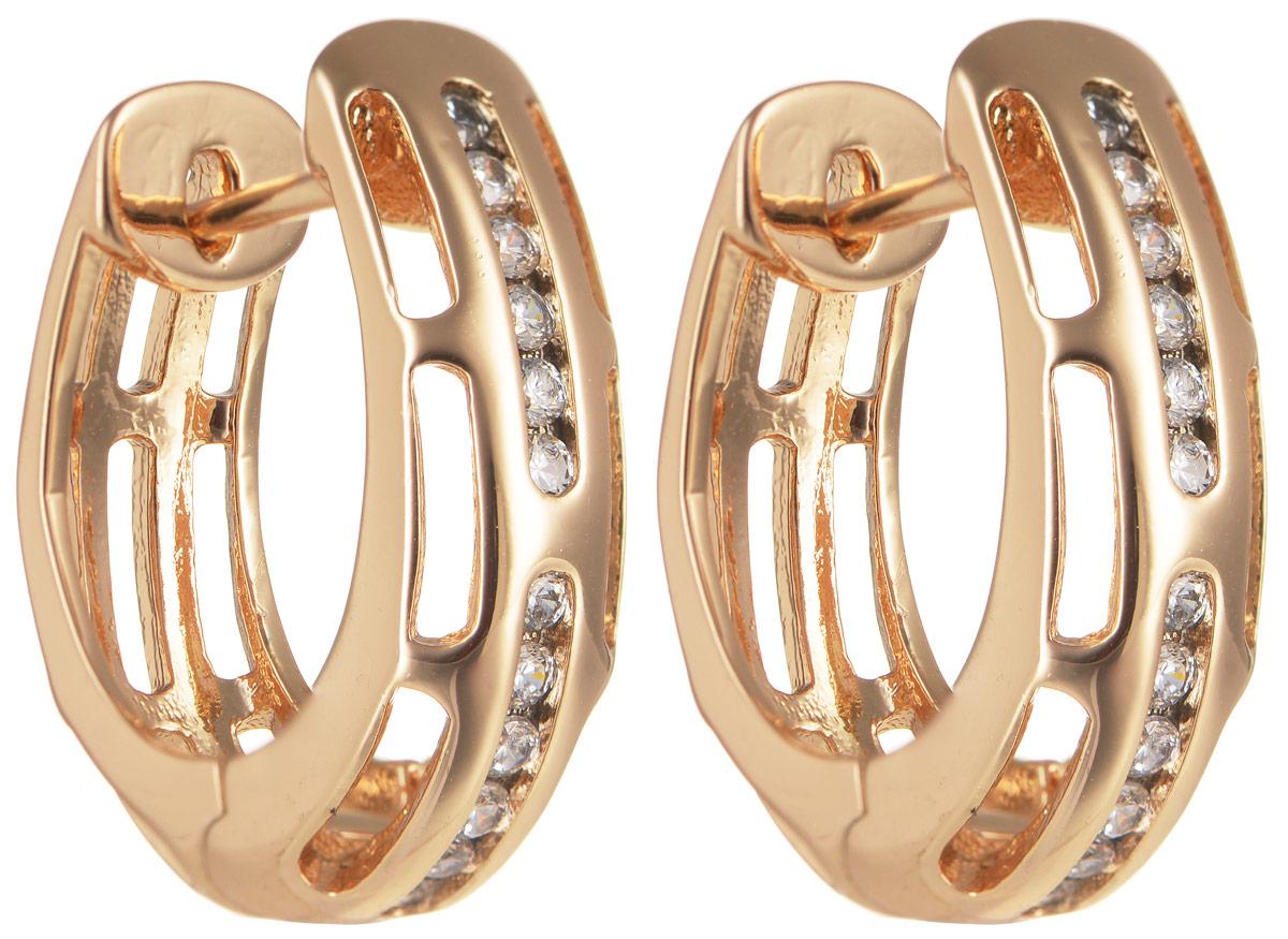 Серьги Taya, цвет: золотистый. T-B-11641Серьги с подвескамиОригинальные позолоченные серьги Taya изготовлены из бижутерного сплава и оформлены цирконами. Застегивается изделие с помощью замка-конго.Серьги Taya блестяще подчеркнут ваш стиль и помогут внести разнообразие в привычный образ.
