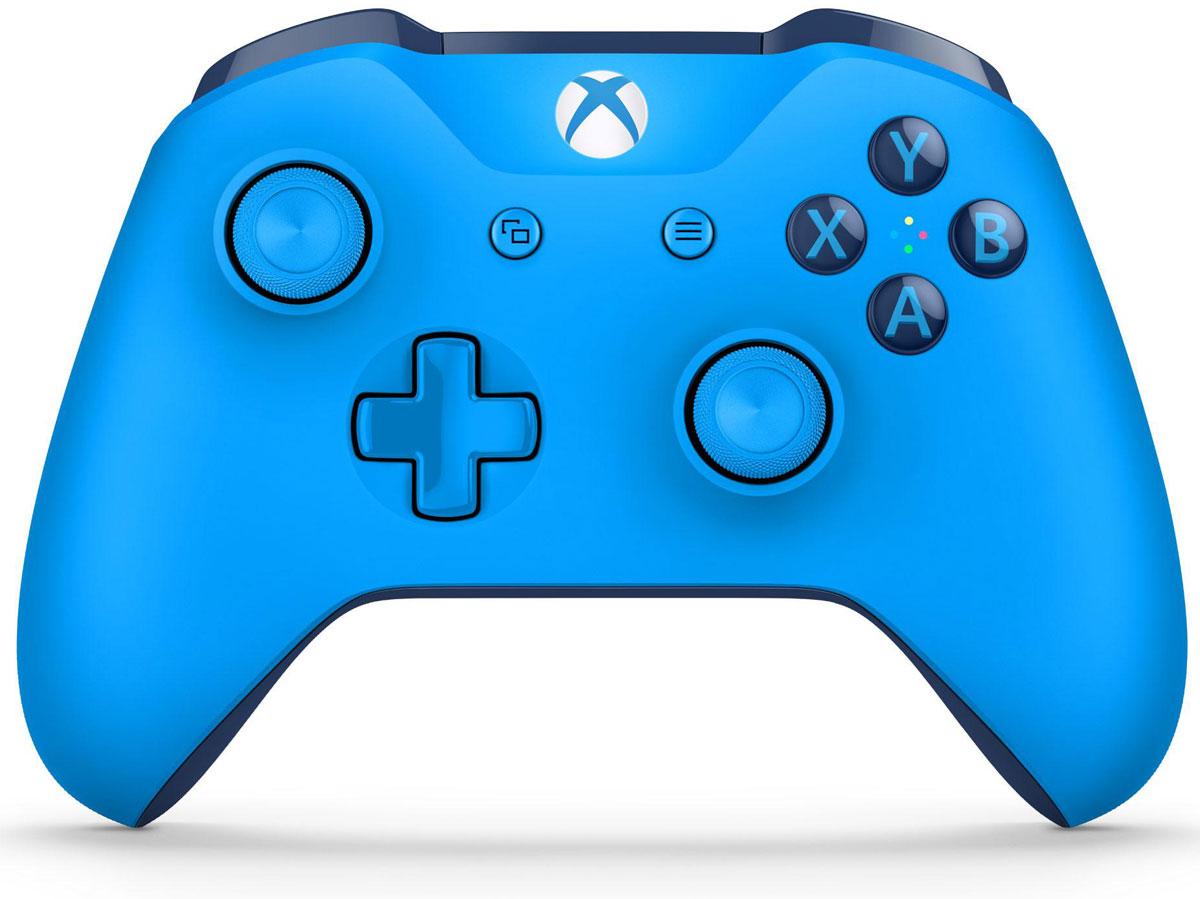 Xbox One Blue беспроводной геймпадWL3-00020Ощутите невероятное удобство управления с беспроводным геймпадом Xbox One Crimson Omen. Импульсные триггеры обеспечивают вибрационную обратную связь, так что вы почувствуете малейшую тряску и столкновения с высочайшей точностью. Отзывчивые мини-джойстики и усовершенствованная крестовина повышают точность. А к 3,5 - мм стереогнезду можно напрямую подключить любую совместимую гарнитуру.Почувствуйте игру благодаря импульсным триггерам. Вибрационные электродвигатели в триггерах обеспечивают прецизионную обратную связь, передавая отдачу оружия, столкновения и тряску для достижения невиданного реализма в играх!Теперь геймпад оснащен 3,5-мм стереогнездом, к которому можно напрямую подключить любимую игровую гарнитуру.Поддерживается беспроводное обновление прошивки, благодаря чему для обновления не требуется подключать геймпад с помощью кабеля USB.ТочностьКрестовина отлично реагирует как на касания, так и на нажатия навигационных кнопокМини-джойстики удобнее в использовании и точнее работаютТриггеры и бамперы ускоряют доступ к командамКомфортРазмер и контуры геймпада комфортны для рук любого игрокаБатареи скрыты в корпусе, благодаря чему геймпад удобнее лежит в рукеДругие особенностиКомплект поставки: беспроводной геймпад и 2 батареи типоразмера AAРадиус действия до 6 мК консоли можно одновременно подключить до 8 беспроводных геймпадовКнопки Меню и Просмотр облегчают навигациюПростая привязка профилей к геймпадуК новому встроенному стереогнезду для гарнитуры можно подключить дополнительные устройства, например гарнитуру для чатаГеймпад совместим с зарядным устройством для геймпада Xbox One, гарнитурой для чата Xbox One и стереогарнитурой Xbox One.