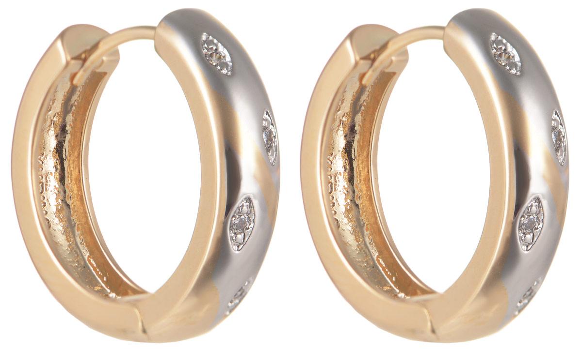 Серьги Taya, цвет: золотистый, серебристый. T-B-11637Серьги с подвескамиОригинальные серьги Taya выполнены из бижутерного сплава иоформлены вставками из циркона. Изделие оснащено практичным замком-конго. Серьги Taya блестяще подчеркнут ваш стиль и помогут внести разнообразие в привычный образ.