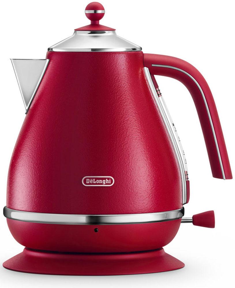 DeLonghi KBOE 2001, Red электрочайник0210110067Электрочайник DeLonghi KBOE 2001 один из приборов, принадлежащих дизайнерской коллекции Icona Elements. На создание этой серии для завтрака дизайнеров вдохновила природа, поэтому каждый из четырех цветов этой линейки является воплощением одного из природных элементов. Матовая, текстурированная поверхность прибора приятна на ощупь, выглядит очень изысканно. Стильный дизайн чайника привнесет разнообразие в серые будни и украсит собой интерьер.Объем данной модели составляет 1,7 л, чего будет вполне достаточно для использования дома или в офисе. Для того, чтобы вы могли контролировать количество жидкости внутри прибора, предусмотрен индикатор воды. Он расположен под открытой ручкой и снабжен соответствующими отметками. Там же располагается рычаг включения. На боковой поверхности вы найдете световой индикатор, сообщающий, что прибор в данный момент включен.Чайник удобен в эксплуатации, производитель оснастил его поворотным основанием, на которое его комфортно ставить с любой стороны. Скрытый нагревательный элемент создан из нержавеющей стали. Подставка, как и сам прибор, выполнена в бежевом цвете. Для компактного хранения предусмотрен отсек, в который легко помещается сетевой шнур. Нескользящие ножки надежно фиксируют чайник на поверхности стола. Эргономичная ручка делает использование максимально удобным для пользователя.Широкий носик позволяет наполнять чайник водой, не открывая крышку. Чтобы вы могли наслаждаться вкусом напитка без лишних примесей, производитель предусмотрел съемный фильтр, защищающий от накипи. Периодически его необходимо мыть, чтобы качество напитка оставалось всегда на высоте. Фильтр нужно снять, промыть под проточной водой при помощи мягкой щетки, высушить и снова поместить в чайник. Модель имеет трехуровневую систему безопасности и отключается при закипании, если отсутствует вода и если чайник снят с основания.