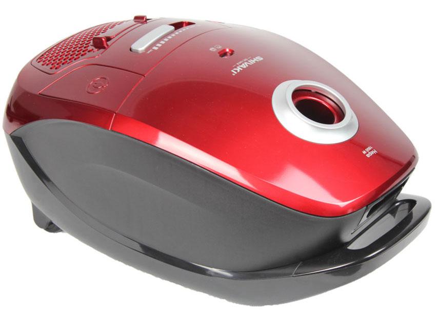 Shivaki SVC-1441R, Red пылесосSVC-1441RПылесос Shivaki SVC-1441R мощностью 1600Вт,c мешком для сбора пыли. Прибор имеет 7-и ступенчатую систему фильтрации и обеспечит деликатную и тщательную уборку. Пылесос оснащен регулятором мощности на корпусе, с возможностью горизонтальной парковки.
