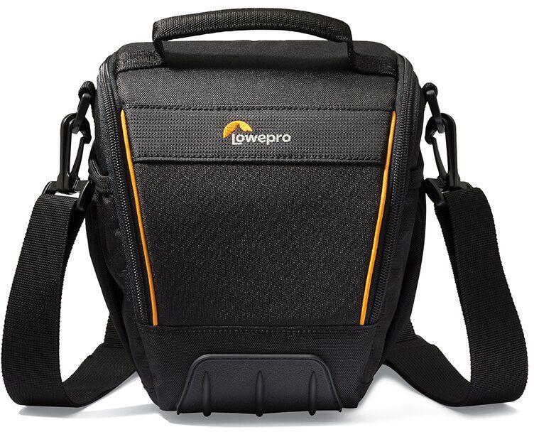Lowepro Adventura TLZ 30 II, Black сумка для фотокамерыLP36867-0RUМодель Adventura TLZ 30 II из обновленной серииAdventura II ориентирована на современных требовательных фотографов. Подходит как для кратковременных поездок, так и для путешествий благодаря продуманному дизайну, вместительности и компактным размерам, а также удобной возможности положить ее в более габаритную багажную сумку.Изменения проведены в значительно большем объеме, чем простообновление дизайна. Качество материала, дополнительно добавленный такой популярный элемент, как резиновый бампер, поднимает новую серию на порядок выше по уровню исполнения. Внутренняя подкладка в сумках предлагается в сером цветовом решении.Основные особенности :Резиновый бампер для дополнительной защиты от внешних воздействий, трения, влажности, смягчения ударов при падении сумкиВозможность разместить все необходимое в регулируемом основном отделении и мелких аксессуаров - в дополнительных кармашкахРегулируемый плечевой ремень, ручка для переноски сумки, петли для поясного ремняБоковые сетчатые карманыКармашек для карты памятиКармашек для мелких аксессуаров на внутренней стороне крышки