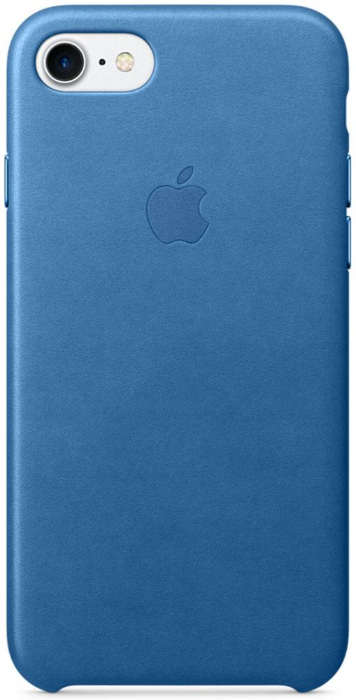 Apple Leather Case чехол для iPhone 7, Sea BlueMMY42ZM/AЧехлы, созданные Apple, точно повторяют контуры iPhone, не делая его громоздким. Apple Leather Case изготовлен из мягкой кожи европейского производства, которая со временем покрывается благородной патиной. Мягкая внутренняя поверхность, выполненная из микроволокна, защищает корпус вашего iPhone. А кнопки из обработанного алюминия идеально подходят по цвету к чехлу.