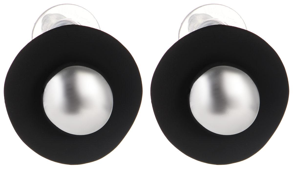 Серьги Модные истории, цвет: черный, серебристый. 15/0494Серьги с подвескамиСтильные серьги Модные истории выполнены из бижутерийного сплава с гальваническим покрытием. Изделие оформлено в виде женской шляпки, покрыты эмалью. Модель застегивается на практичный замок-гвоздик с фиксаторами.Оригинальные серьги придадут вашему образу изюминку, подчеркнут индивидуальность.