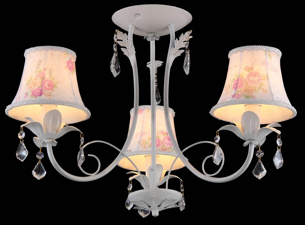 Люстра Natali Kovaltseva, 3 x E14, 40W. 75000-3CCOMO 75000-3C WHITEЛюстра Natali Kovaltseva, выполненная в классическом стиле, станет украшением вашей комнаты и изысканно дополнит интерьер. Люстра выполнена из металла с хромированным покрытием, плафоны изготовлены из матового стекла. В коллекциях Natali Kovaltseva представлены разные стили - от классики до хайтека. Дизайн и технологическая составляющая продукции разрабатывается в R&D центре компании, который находится в г. Дюссельдорф, Германия. При производстве продукции используются высококачественные и эксклюзивные материалы: хрусталь ASFOR, муранское стекло, перламутр, 24-каратное золото, бронза. Производство светильников соответствует стандарту системы менеджмента качества ISO 9001-2000. На всю продукцию ТМ Natali Kovaltseva распространяется гарантия.