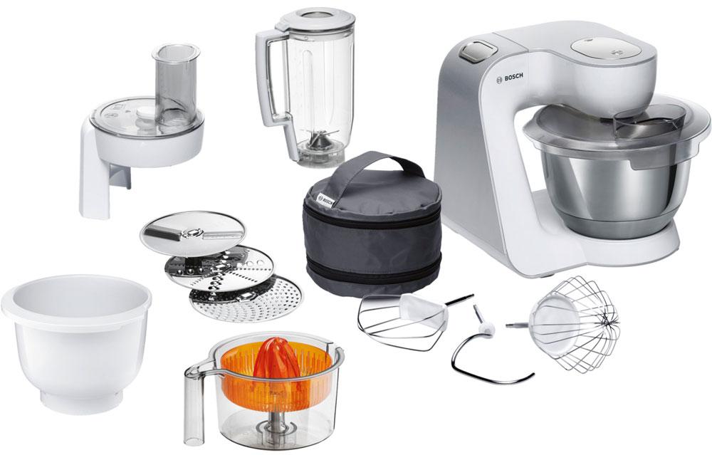 Bosch MUM58243 кухонный комбайнMUM58243Bosch MUM58243 - мощная кухонная машина с многосторонними возможностями для готовки и выпечки.Данная модель легко обрабатывает большие количества ингредиентов (до 1 кг муки плюс ингредиенты) благодаря мощному мотору 1000 Вт.Отличное качество замеса теста благодаря особой форме внутренней поверхности чаши и благодаря планетарному вращению насадок в трех плоскостях 3D. Возможно замесить до 2,7 кг легкого теста/ 1,9 кг дрожжевого теста.Прибор просто и удобно использовать благодаря функции автоматического поднятия рычага EasyArmLift. Функция автопарковки упрощает процесс смены насадок.Широкие возможности: насадки для взбивания крема, замеса теста, шинковки овощей, блендер для смешивания напитков, пресс для цитрусовых, а также дополнительная рабочая чаша.Прибор легко чистить благодаря гладкой поверхности. А насадки можно мыть в посудомоечной машине.