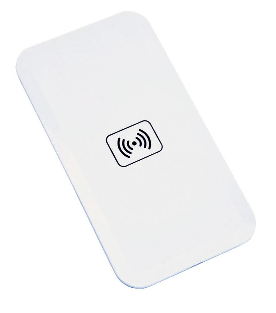Bradex SU 0053, White беспроводное зарядное устройствоSU 0053Вашему смартфону постоянно не хватает зарядки, а разъемы зарядного устройства быстро изнашиваются из-за слишком частого использования? Беспроводной плоский аккумулятор для смартфонов решает эти проблемы! • Аккумулятор позволяет вам быстро полностью заряжать батарею смартфона без необходимости использовать провода или зарядное устройство.• Просто подсоедините к телефону миниатюрный Qi-приемник, который легко прячется внутри корпуса или чехла, и просто положите смартфон на аккумулятор.• Теперь вы можете спокойно заниматься своими делами, а ваш смартфон все это время будет заряжаться от платформы. • Все, что понадобится для работы Qi-приемника — это компьютер, ноутбук или розетка. С плоским беспроводным аккумулятором для смартфона вы перестанете беспокоиться об уровне зарядки Вашего гаджета!