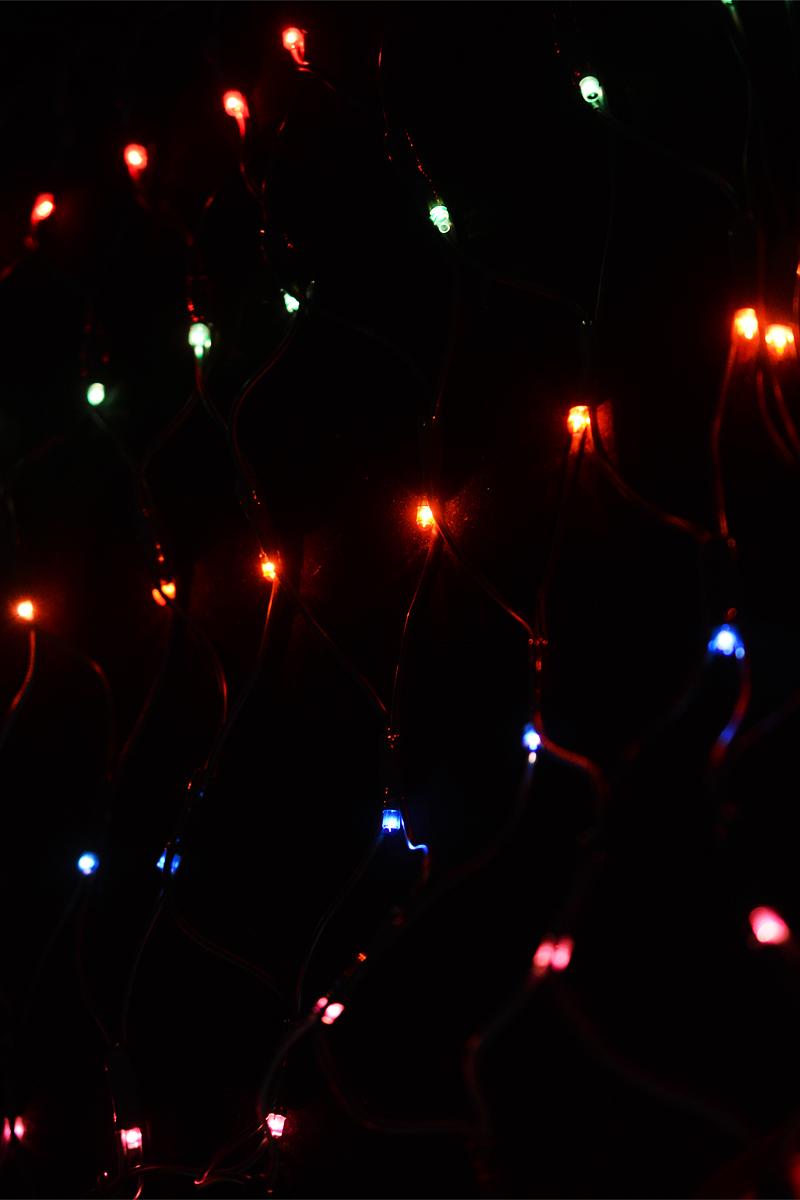 Гирлянда электрическая Winter Wings, 160 ламп, 1,28 х 0,8 мN11223Электрическая гирлянда Winter Wings выполнена в виде сетки, предназначена для украшения интерьеров. Содержит незаменяемые лампы типа рис, повышенного срока службы, имеет яркое свечение и низкое энергопотребление. При неисправности одной лампы другие продолжают гореть.Новогодние украшения несут в себе волшебство и красоту праздника. Они помогут вам украсить дом к предстоящим праздникам и оживить интерьер по вашему вкусу. Создайте в доме атмосферу тепла, веселья и радости, украшая его всей семьей.Напряжение: 220 V.Частота: 50/60 Hz.Мощность: 33,6 Вт.Класс защиты: II.Степень защиты IP: IP20.Рабочие температуры: от +5 до +50°С.Цвет кабеля: зеленый.Общая длина: 1,28 х 0,8 + 2 м.Длина провода до вилки: 2 м.Цвет ламп: цветные.Количество ламп: 160.Количество режимов мигания: 8.Используются лампы:Напряжение: 3 В.Мощность: 0,21 Вт.