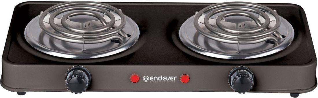Endever Skyline EP-24 плитка электрическаяEP-24 BЭлектрическая плитка Endever Skyline EP-24 пригодится дома и на даче, в студенческом общежитии или на маленькой кухне. Недорогая и долговечная модель с двумя спиралевидными конфорками диаметром 15,5 см. Плитка имеет надёжное эмалевое покрытие, которое легко чистится, устойчиво к истиранию и долго сохраняет отличный внешний вид. Плитка имеет прорезиненные ножки для устойчивого положения на поверхности, весит всего 2,8 кг. О том, что нагревательный элемент подключен к сети, сигнализирует красный индикатор. Мощность ТЭНа составляет 1 кВт, ее можно регулировать при помощи поворотного переключателя-термостата.
